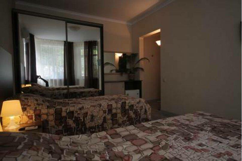 """Отель """"Novikoff Hotel"""", переулок Победы, 49 на 6 номеров - Фотография 18"""