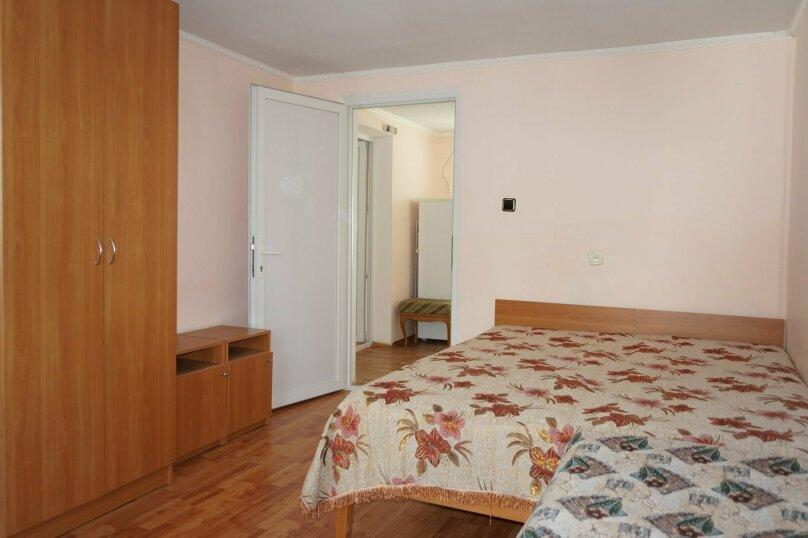 """Гостевой дом """"Приморский"""", улица Бусина, 2 на 12 комнат - Фотография 37"""