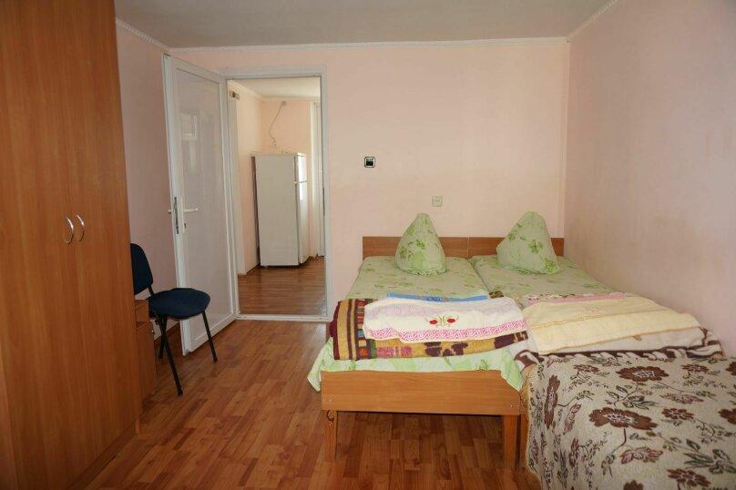 """Гостевой дом """"Приморский"""", улица Бусина, 2 на 12 комнат - Фотография 43"""