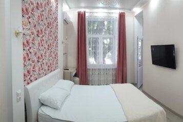 5-комн. квартира, 130 кв.м. на 6 человек, проспект Нахимова, 10, Севастополь - Фотография 1