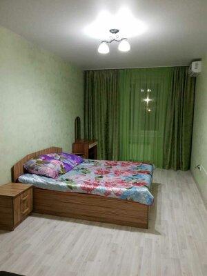 2-комн. квартира, 60 кв.м. на 6 человек, улица Седина, 53/16литА, Ейск - Фотография 1