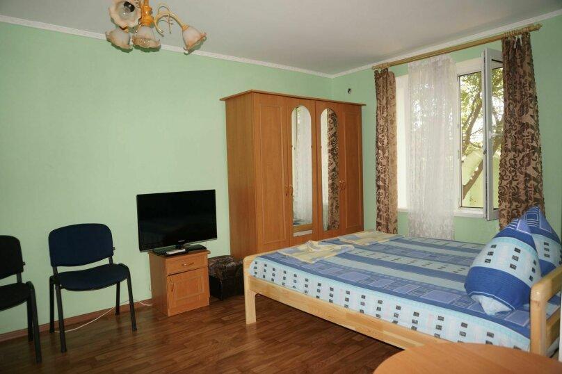 """Гостевой дом """"Приморский"""", улица Бусина, 2 на 12 комнат - Фотография 22"""