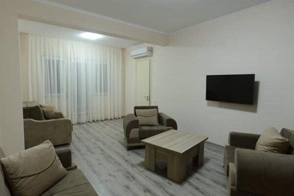 4-комн. квартира, 130 кв.м. на 8 человек