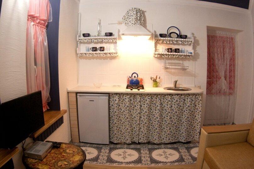 "Гостевой дом ""Маяк"", улица Комарова, 19А на 6 комнат - Фотография 15"
