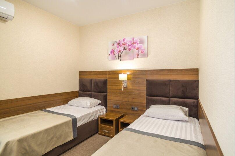 Стандартный двухместный с двумя кроватями 34, переулок Корницкого, 2Г , Кабардинка - Фотография 1