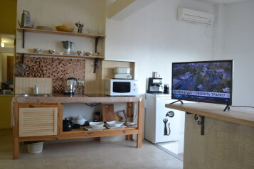 2-комн. квартира, 55 кв.м. на 5 человек, улица Богдана Хмельницкого, 17, Алушта - Фотография 2