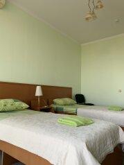 Отель, улица Леси Украинки, 16 на 33 номера - Фотография 2