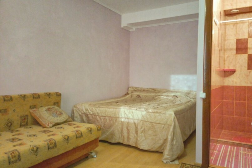 Комната  сиреневая 2 этаж, проезд Прибрежный, 27, Заозерное - Фотография 1