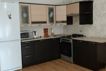 Дом, 100 кв.м. на 6 человек, 2 спальни, улица Сахарова, 9, село Веселое - Фотография 1