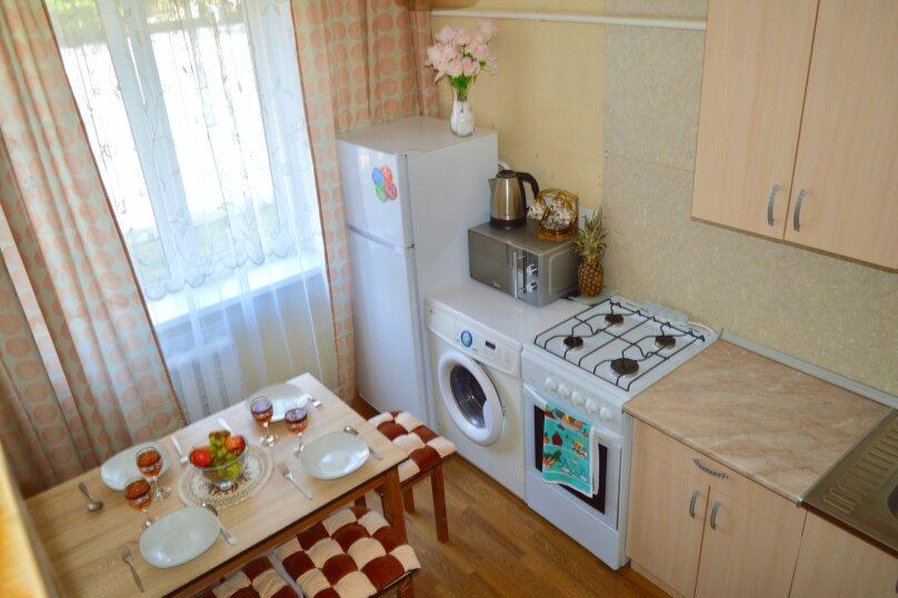 1-комн. квартира, 39 кв.м. на 4 человека, улица Красных Партизан, 246, Краснодар - Фотография 9