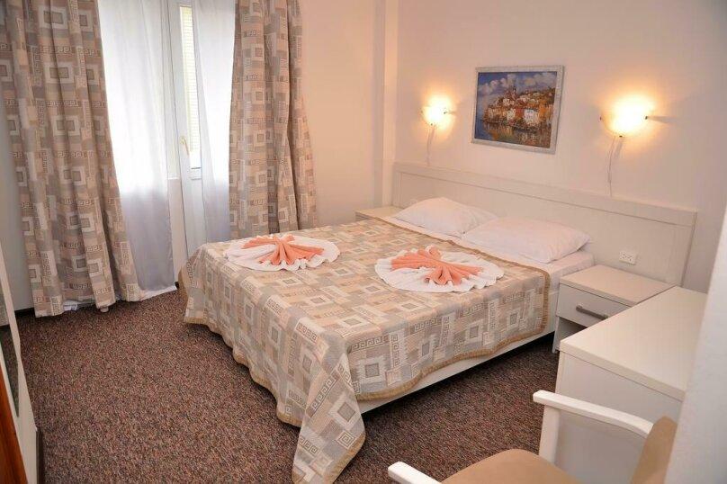 Розовый 2-х местный номер, квартал Звездный, 5А, Ольгинка - Фотография 1