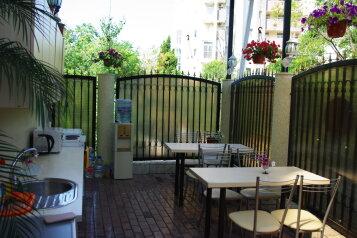 Гостевой дом, Виноградная улица, 43Д на 8 комнат - Фотография 1