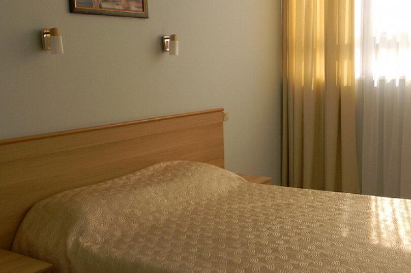 Стандарт с одной двуспальной кроватью, Виноградная улица, 2/3к1, Сочи - Фотография 1