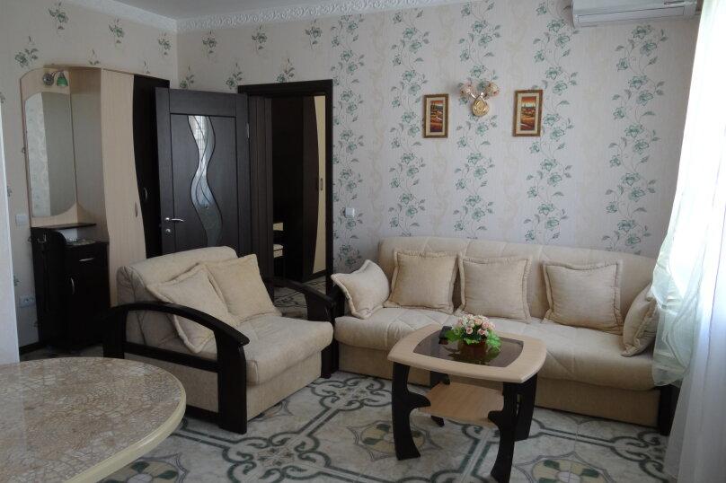 Отдельная комната, улица Гоголя, 34, Геленджик - Фотография 1