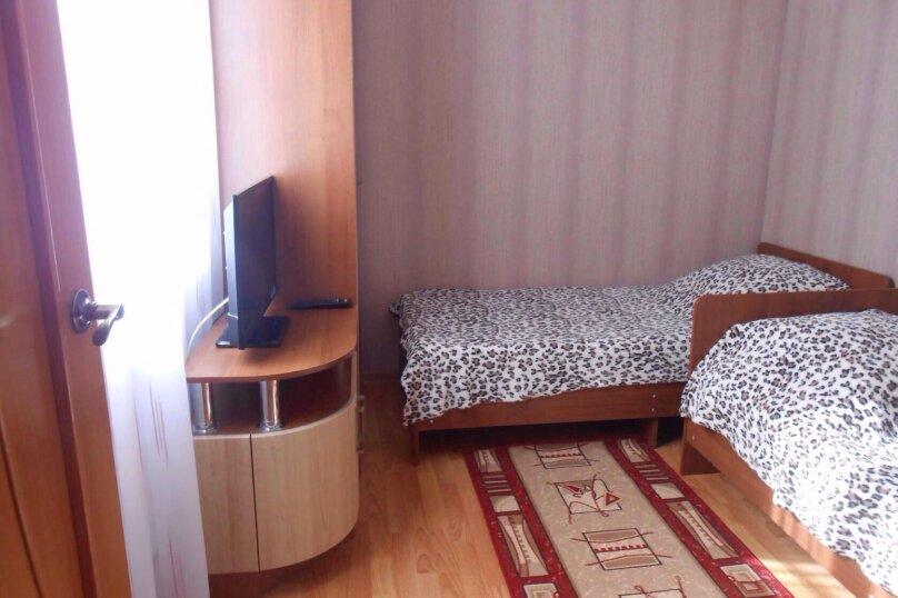 Коттедж 2-х комнатный, 80 кв.м. на 5 человек, 2 спальни, улица Энгельса, 96, Ейск - Фотография 13