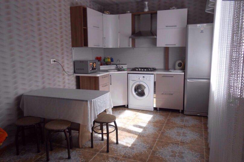 Коттедж 2-х комнатный, 80 кв.м. на 5 человек, 2 спальни, улица Энгельса, 96, Ейск - Фотография 1