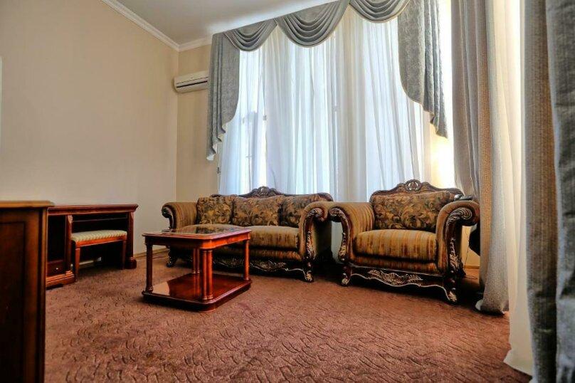 Малый люкс, проспект Леона, 2, Сухум - Фотография 2