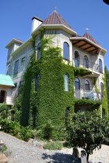 """Гостевой дом """"Замок Алустон"""", Табачная улица, 7 на 12 комнат - Фотография 1"""