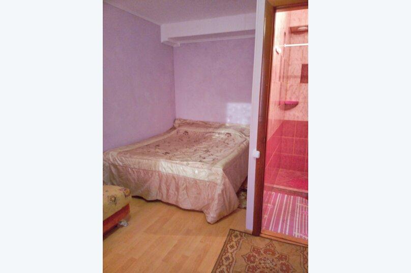 Комната сиреневая 1 этаж, проезд Прибрежный, 27, Заозерное - Фотография 1