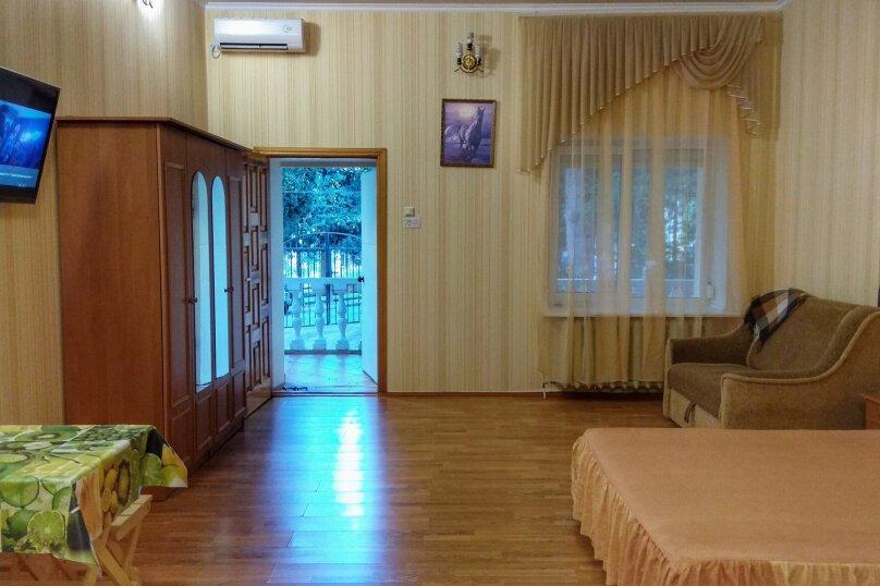 Отдельная комната, улица Ленина, 21, Алушта - Фотография 19