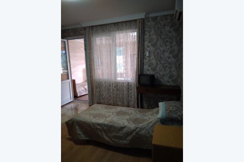 Гостевой дом в 10 минутах от моря с балконами, улица Ленина, 33/2 на 2 комнаты - Фотография 17