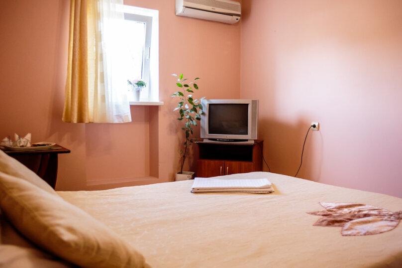 Двухкомнатный трехместный номер , улица Леваневского, 3, Севастополь - Фотография 1