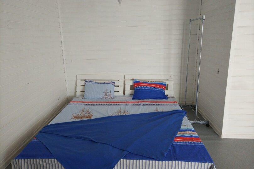 Коттедж, 130 кв.м. на 10 человек, 4 спальни, Азовская, 14, село Соляное - Фотография 4