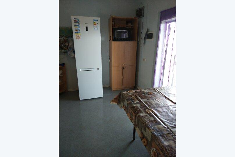 Коттедж, 130 кв.м. на 10 человек, 4 спальни, Азовская, 14, село Соляное - Фотография 11