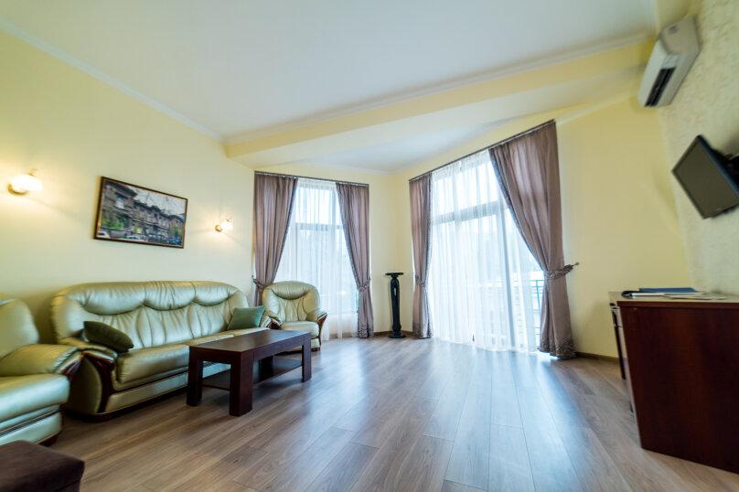 Апартаменты Пирогов, Боткинская улица, 2В, Ялта - Фотография 1
