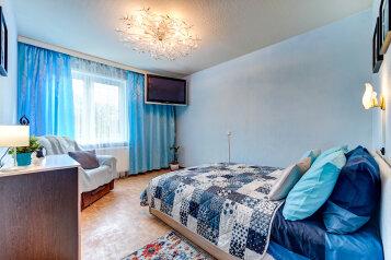 2-комн. квартира, 55 кв.м. на 6 человек, проспект Ветеранов, 135к1, Санкт-Петербург - Фотография 1