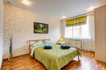 2-комн. квартира, 60 кв.м. на 5 человек, Комендантский проспект, 30к1, Санкт-Петербург - Фотография 1