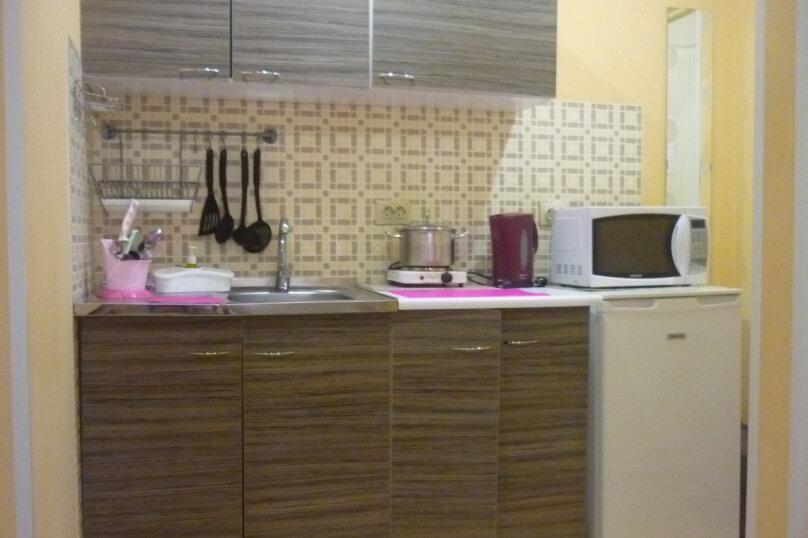 Четырёхместный семейный номер-студия, Ростовская улица, 181, Ейск - Фотография 2