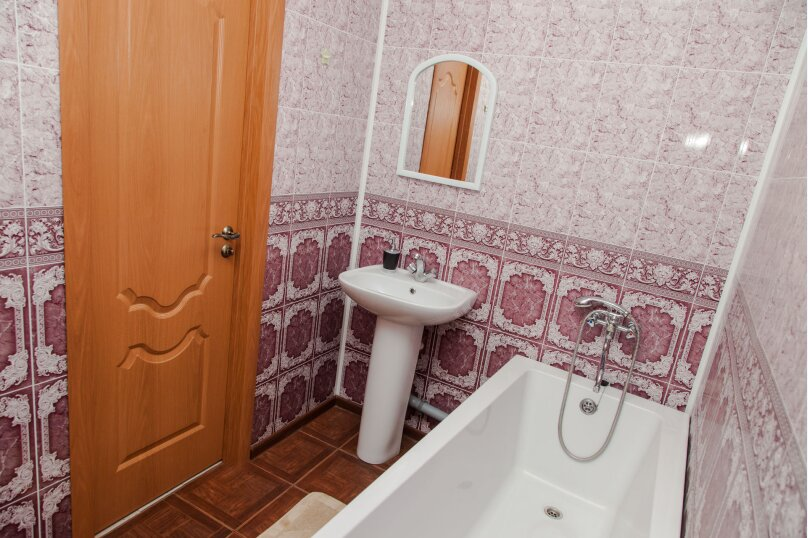 2-комн. квартира, 65 кв.м. на 4 человека, улица Куколкина, 11, Воронеж - Фотография 8