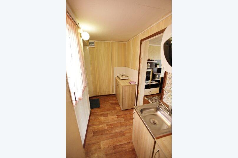Домик, 25 кв.м. на 4 человека, 1 спальня, 2-й микрорайон, 1, Ольгинка - Фотография 15