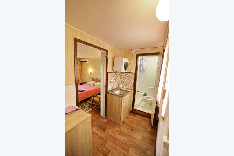Домик, 25 кв.м. на 4 человека, 1 спальня, 2-й микрорайон, 1, Ольгинка - Фотография 16