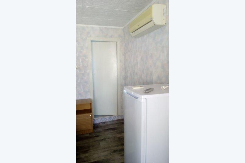 № 32, с удобствами, 3 этаж, на 2-3 чел. , улица Танкистов, 19, Судак - Фотография 1