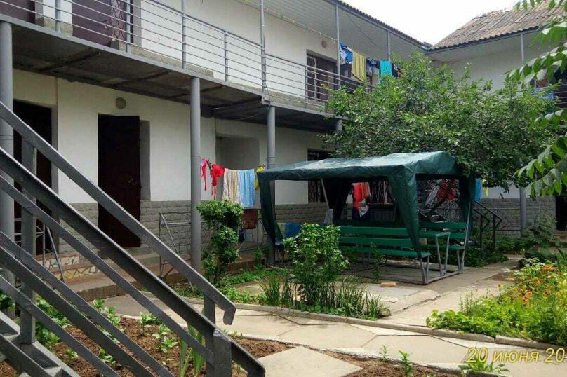 """Гостевой дом """"На Морской 4"""", Морская улица, 4 на 18 комнат - Фотография 17"""