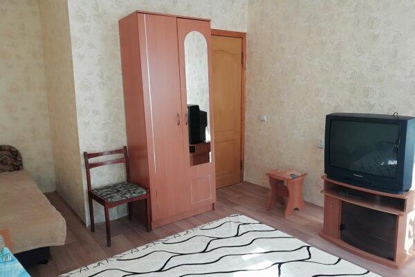 Уютные номера, квартал Долинный, Уральская улица на 3 номера - Фотография 1