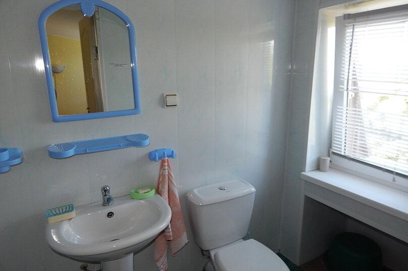 """4-х мест. 2-комнат. номера """"Запад"""" и """"Восток"""" с душем/туалетом в номере, видом на Море , а также отдельной кухонной комнатой и террасой на этаже, 3 этаж, ВИНТОВАЯ лестница, Набережная, 16, поселок Приморский, Феодосия - Фотография 25"""
