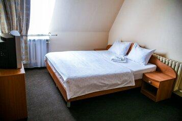 Мини-отель , улица Карла Маркса, 50 на 17 номеров - Фотография 4