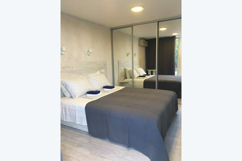 Двухместный номер с одной кроватью и патио, улица Ленина, 144Д, Коктебель - Фотография 1