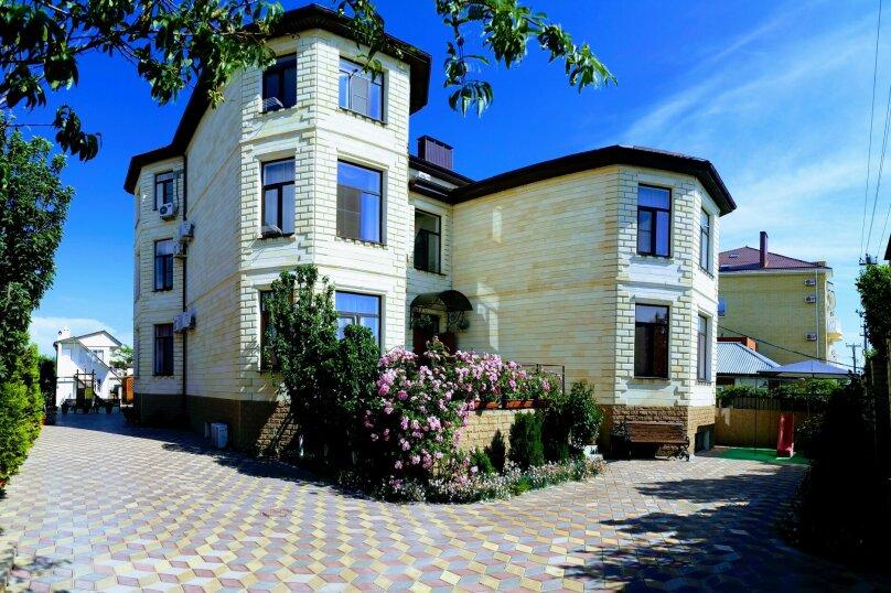 """Гостевой дом """"Бугаз"""", Казачий переулок, 15 на 25 комнат - Фотография 1"""