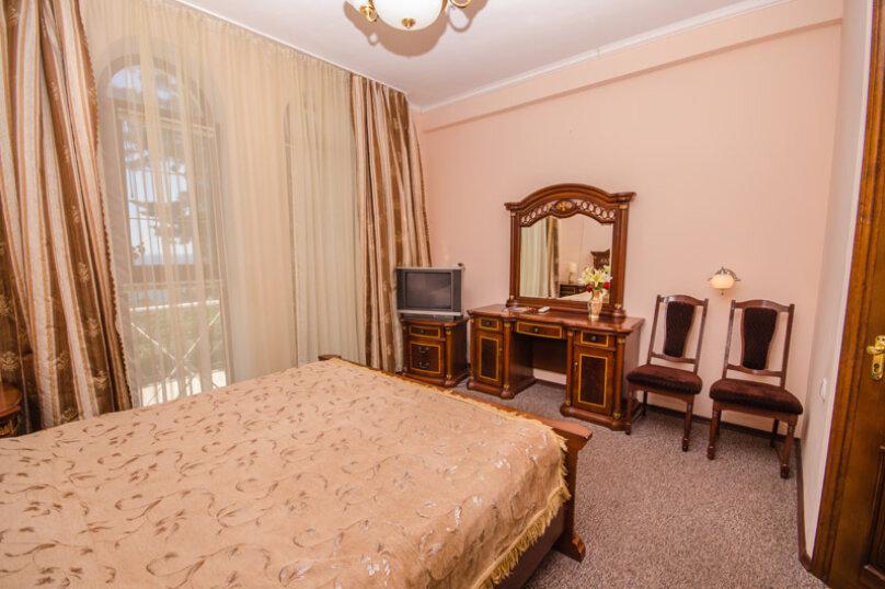 """Мини-отель """"Вилла Багратион"""", улица Коммунаров, 4 на 13 номеров - Фотография 90"""
