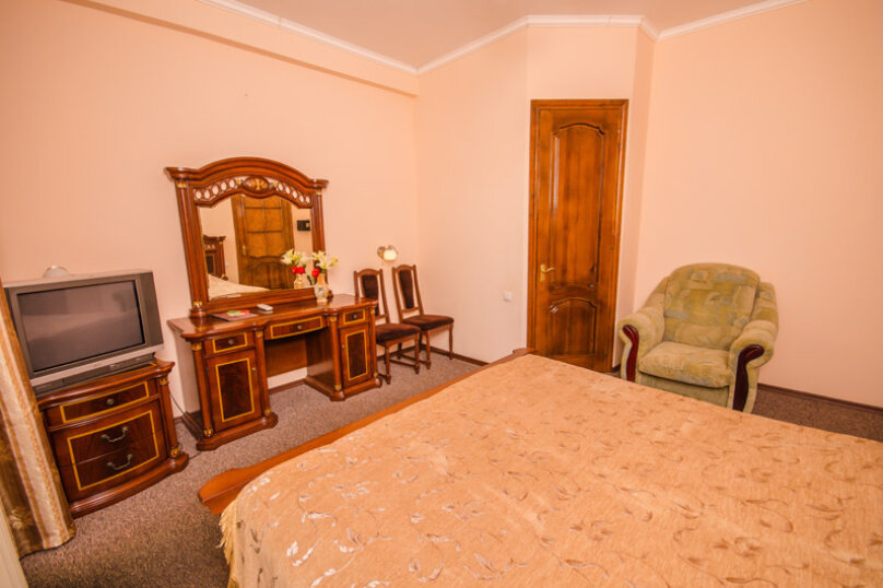 """Мини-отель """"Вилла Багратион"""", улица Коммунаров, 4 на 13 номеров - Фотография 91"""