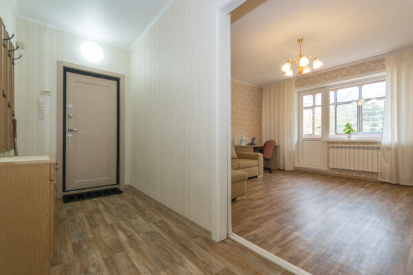 2-комн. квартира, 54 кв.м. на 4 человека, улица Шевченко, 34, Новосибирск - Фотография 1