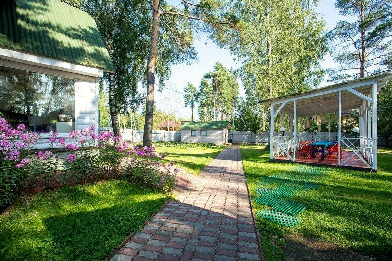 Дом с баней, бильярдом, камином и беседкой, 200 кв.м. на 16 человек, 3 спальни, 11 линия Малиновая, 371, Санкт-Петербург - Фотография 28