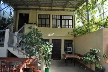 Гостевой дом, Нагорная улица, 6 на 3 комнаты - Фотография 1