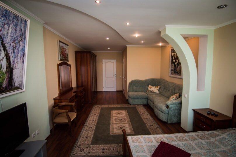 Дом у моря, 190 кв.м. на 10 человек, 4 спальни, шоссе Дражинского, 2А, д 3, Отрадное, Ялта - Фотография 17