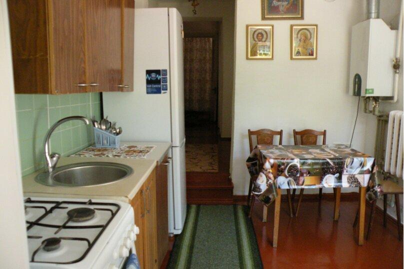 Сдается 3-х комнатный дом в г. Евпатории, 53 кв.м. на 7 человек, 3 спальни, Назаровская, 5А, Евпатория - Фотография 1