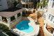трехместный номер с балконом и видом на бассейн:  Номер, Семейный, 4-местный (3 основных + 1 доп), 1-комнатный - Фотография 15